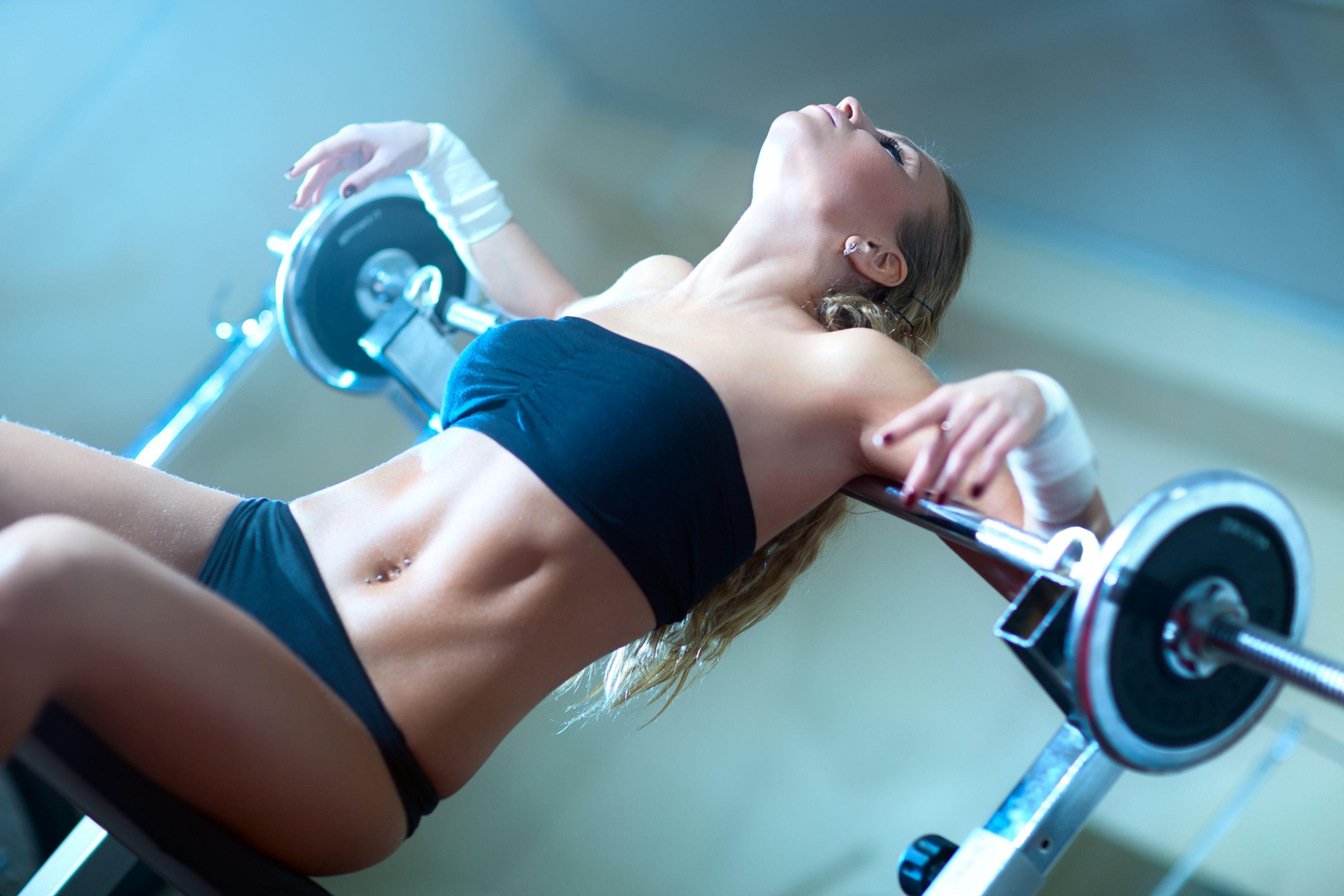 тренировка для жиросжигания в зале для женщин