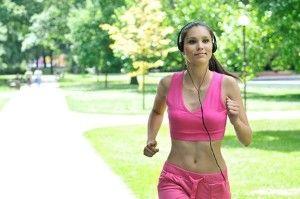 Mujer-ejercicio-música