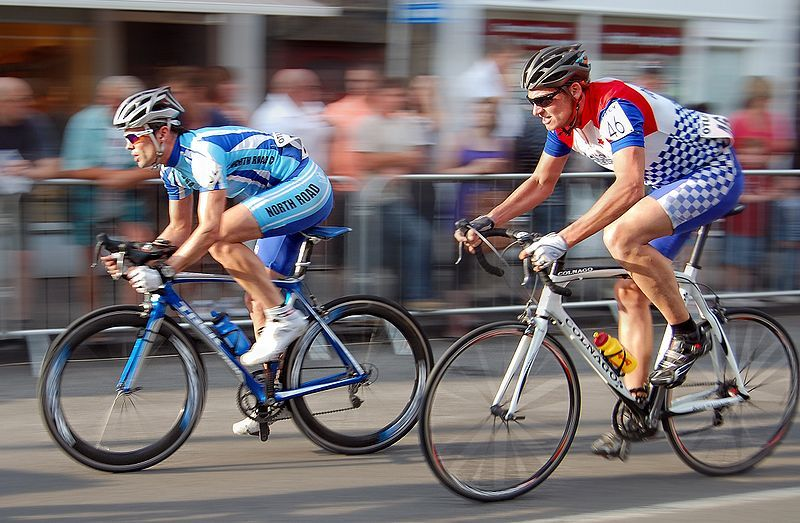 a history of the speed sport competitions triathlons