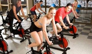Преимущества тренировок на велотренажере